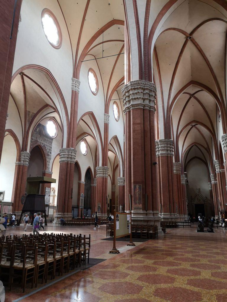 Interni-Basilica-di-San-Petronio