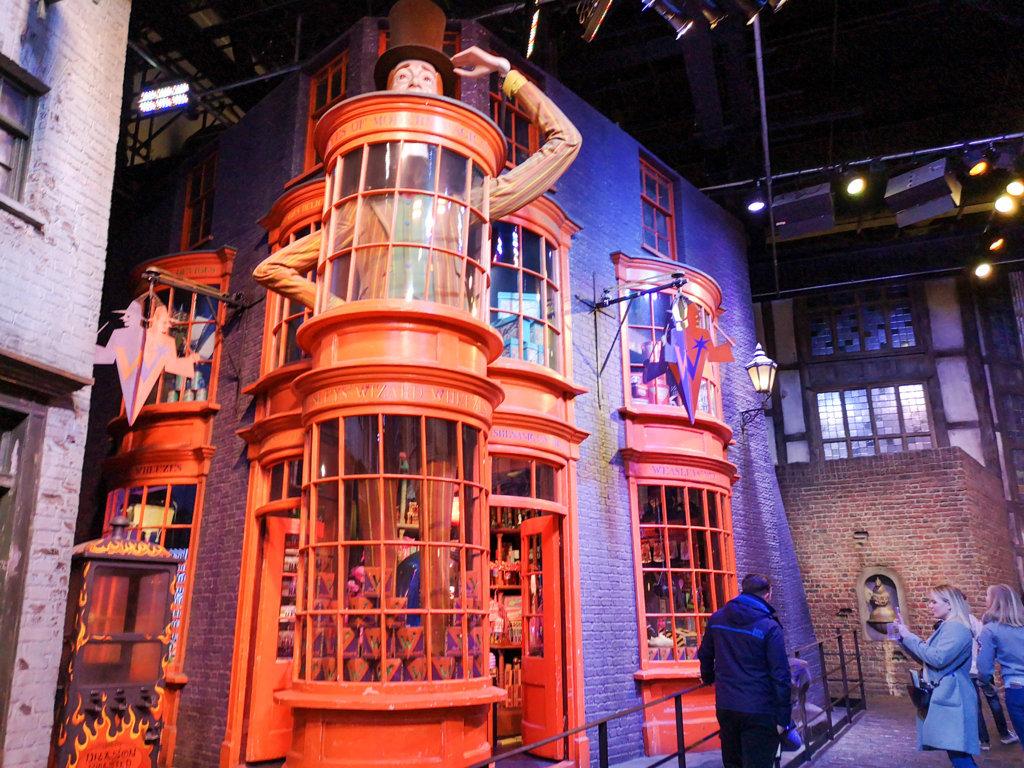Diagon-Alley-Harry-Potter-Studios