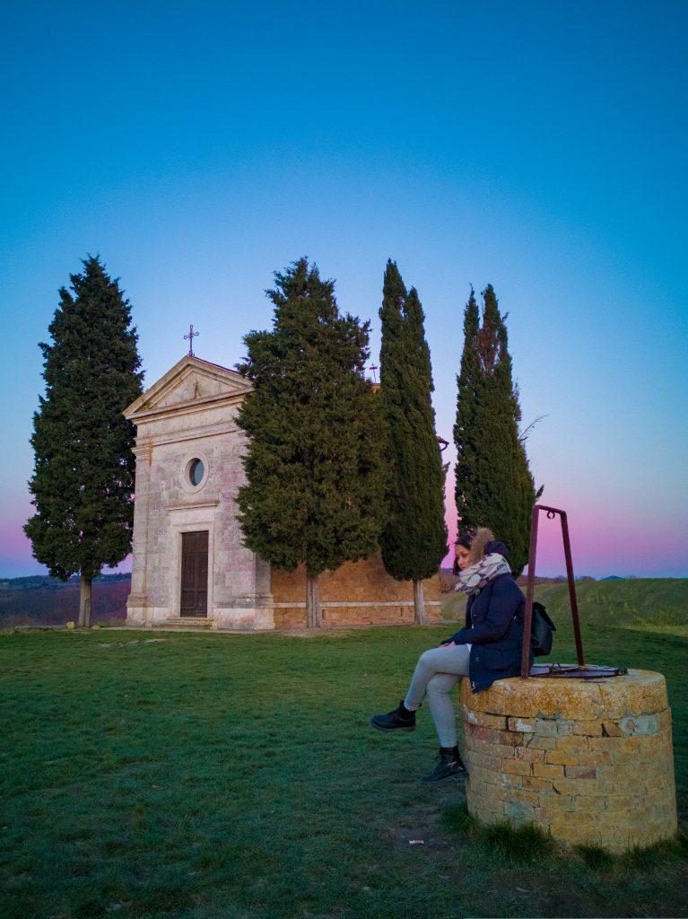 Cappella-della-Madonna-di-Vitaleta-Val-d-Orcia