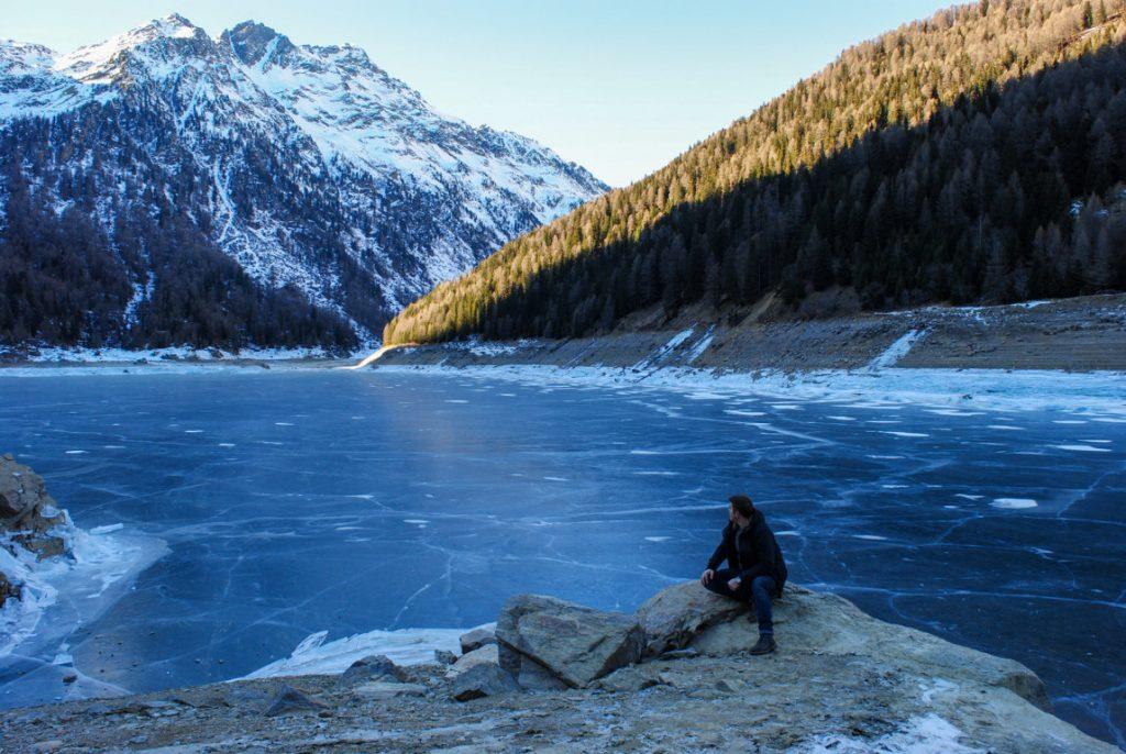 Lago-Pian-Palù-in-inverno-5-laghi-da-non-perdere-in-Trentino-Alto-Adige