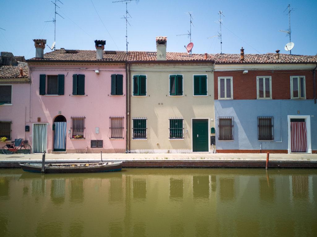 Casette-colorate-cosa-fare-a-Comacchio